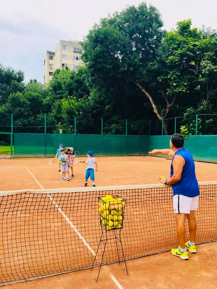 Cursuri de tenis Scoli Gradinite After-school Before-school
